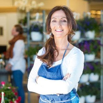 flower-shop-owner-comp